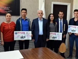Karaman Güzel Sanatlarının Yetenekli Öğrencileri Türküleriyle Kulakların