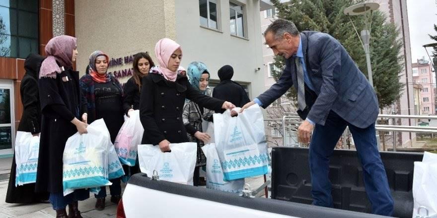 Konya'da Komek Ve Asem Üyelerinden Örnek Davranış