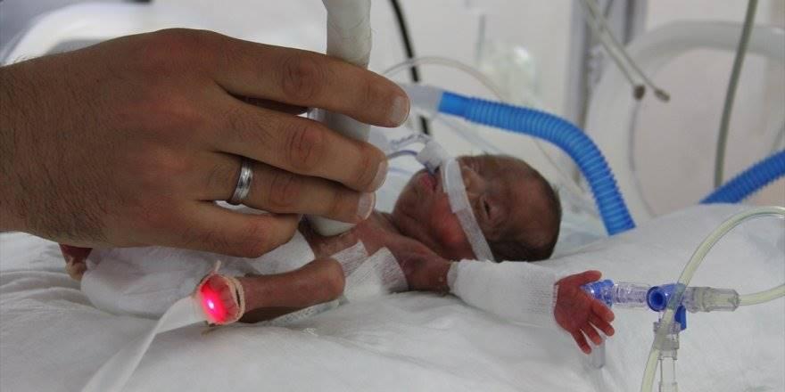"""Konya'da 514 Gram Doğan Bebeğe """"Hayat"""" Operasyonu"""