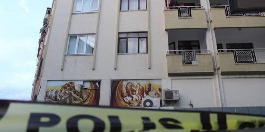 Antalya'da silahlı ve sopalı kavga: 2 yaralı