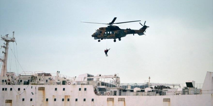 Mersin'de Karaya Oturan Kargo Gemisindeki 2 Kişi Kurtarıldı