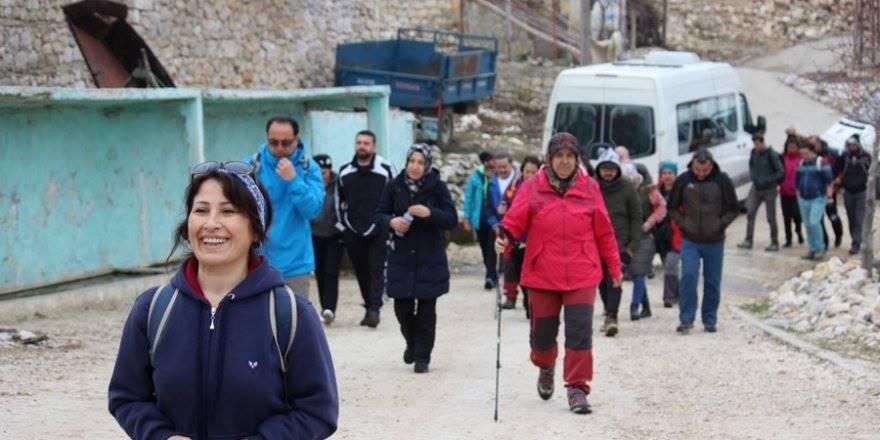 Karaman'da Kadınlar Gününe Özel Bıçakçı Köprüsü Yürüyüşü