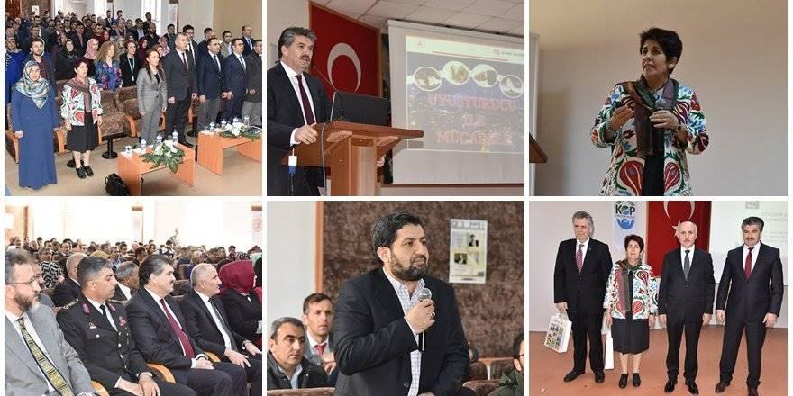 Karaman'da Bağımlılıkla Mücadele Konulu Konferans Verildi