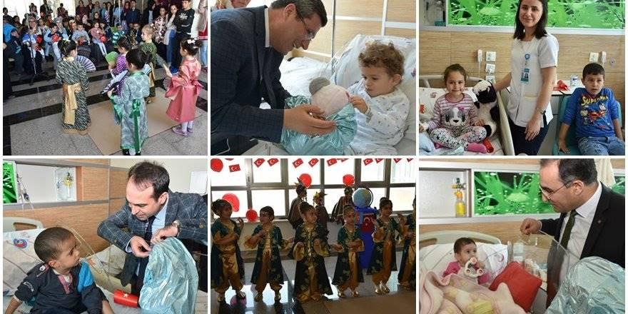 Karaman'da 23 Nisan'ı Hastanede Kutladılar