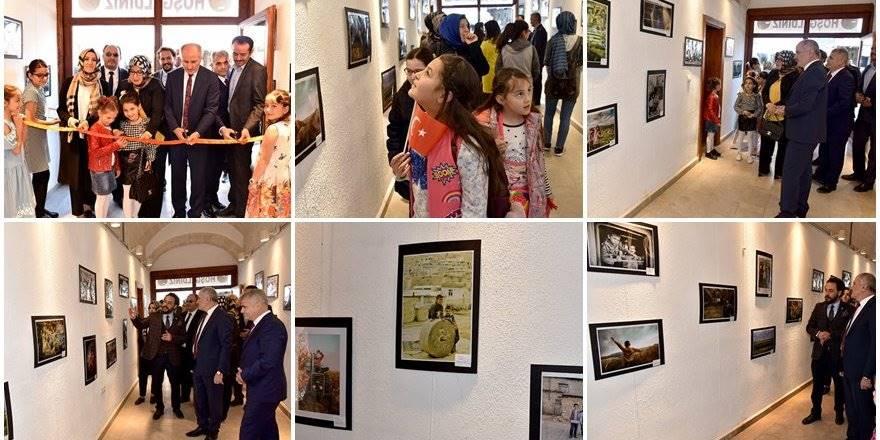 """Karaman'da """"Türkiye'de Çocuk Olmak"""" Konulu Fotoğraf Sergisi Açıldı"""