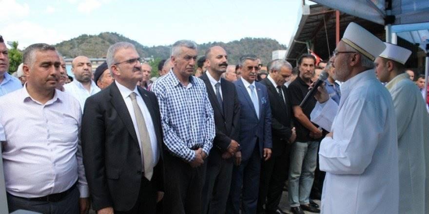 Antalya'da Kayıp Kader Buse İçin Gıyabi Cenaze Namazı