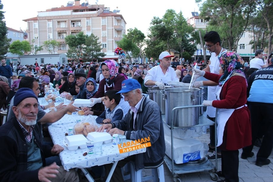 Karaman'da Ramazan İftarı Yenimahalle'de 1