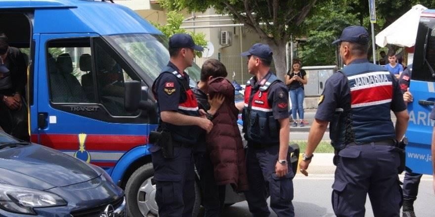 Antalya'da Yol Verme Tartışması Cinayetle Sonuçlandı