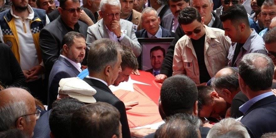 Bıçaklanarak Ölen Belediye Başkanı Konya'da Son Yolculuğuna Uğurlan