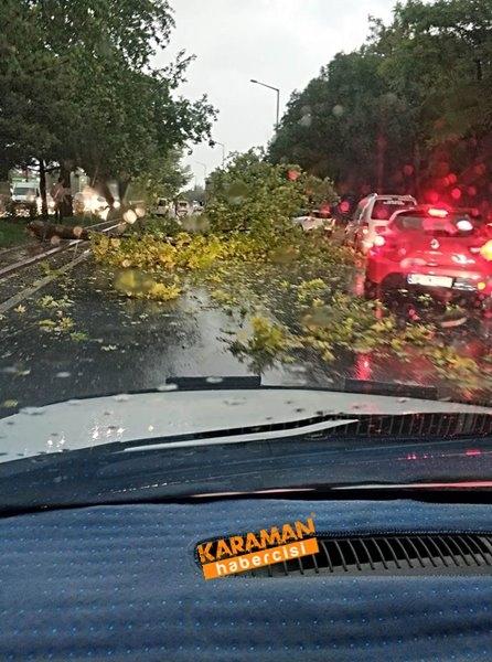 Konya'da Yağmur ve Dolu Yağışı Etkili Oldu 1