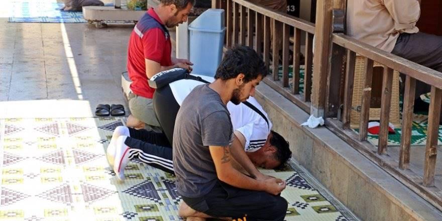 Antalya Büyükşehir Belediye Zabıta Ekipleri Dilenci Takibinde