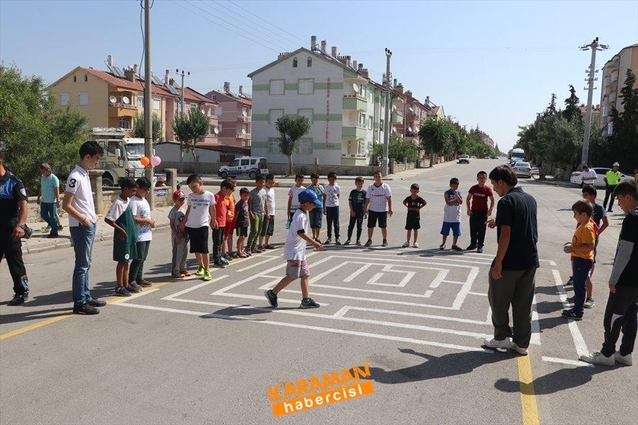 Karaman Emniyeti Çocuklar İçin Sokaklarda 1