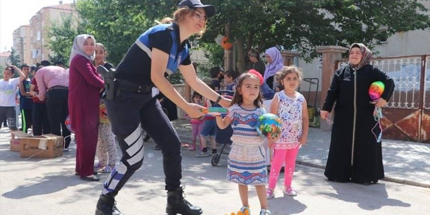 Karaman Emniyeti Çocuklar İçin Sokaklarda