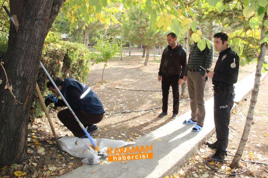 Karaman'da Cami Avlusunda Tabanca Bulundu 3