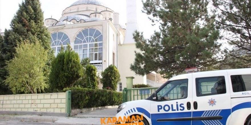 Karaman'da Cami Avlusunda Tabanca Bulundu
