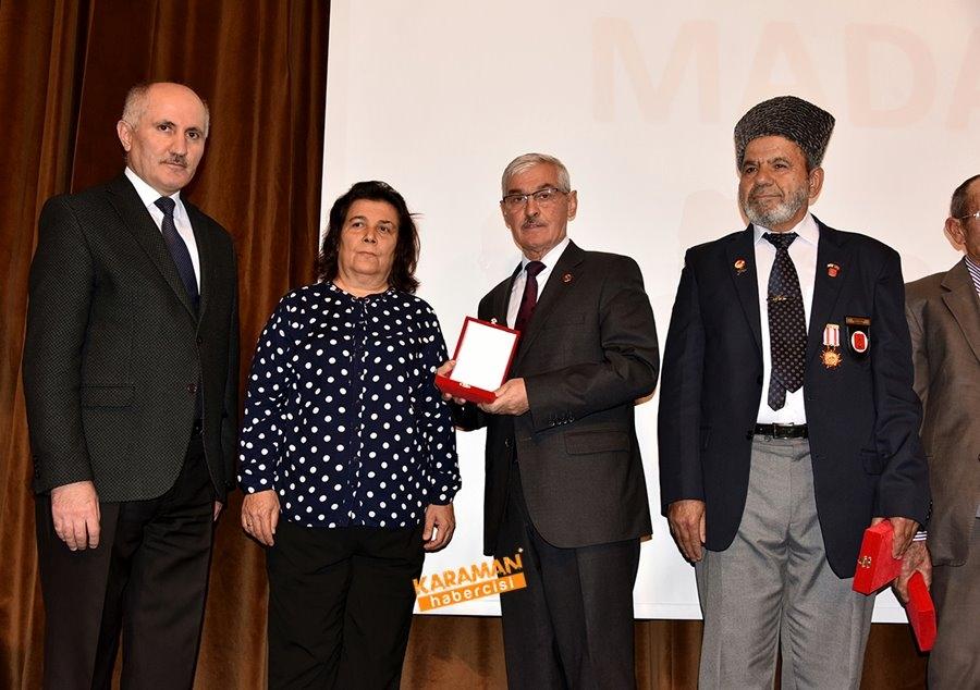 Kıbrıs Barış Harekâtına Katılan Gazilerimize Milli Mücadele Madalya Ve B 9
