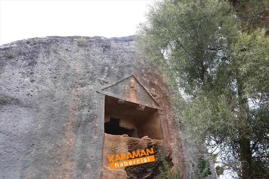 Medusa Figürlü Kaya Mezarları Göktepe'de Ziyaretçilerini Bekliyor 1