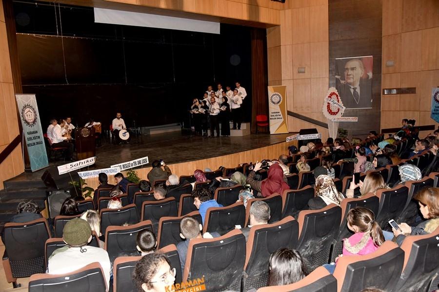 Özel Eğitim Meslek Okulu sahne programıyla göz doldurdu 8