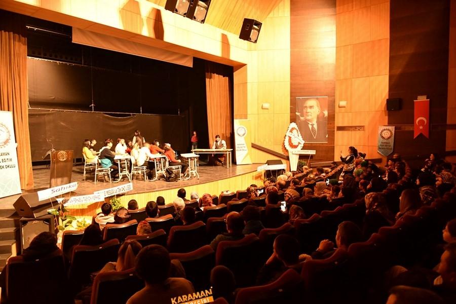 Özel Eğitim Meslek Okulu sahne programıyla göz doldurdu 9
