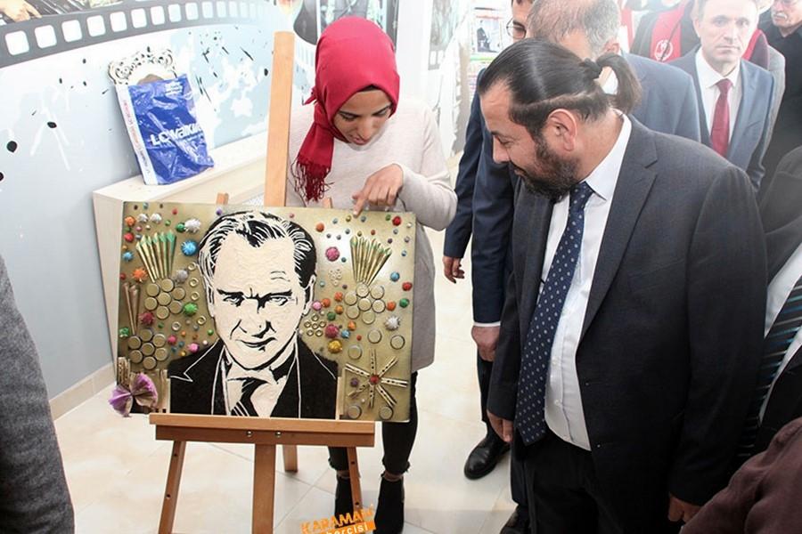KMÜ'de şehit öğretmenler anısına sergi düzenlendi 11