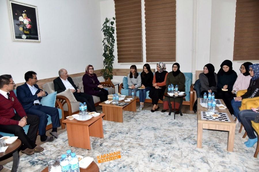 Öğrenciler, Vali Sayın Fahri Meral'e ve İl Müdürü Çalışkan'a Ü 2