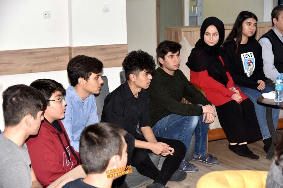 Öğrenciler, Vali Sayın Fahri Meral'e ve İl Müdürü Çalışkan'a Ü 3