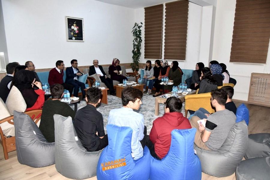 Öğrenciler, Vali Sayın Fahri Meral'e ve İl Müdürü Çalışkan'a Ü 5