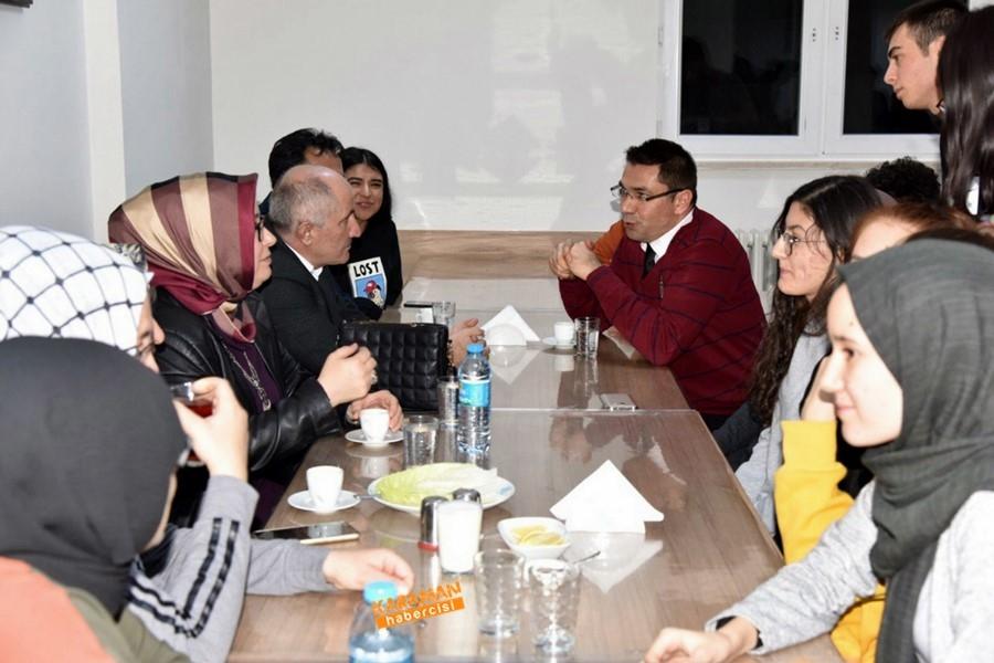 Öğrenciler, Vali Sayın Fahri Meral'e ve İl Müdürü Çalışkan'a Ü 6