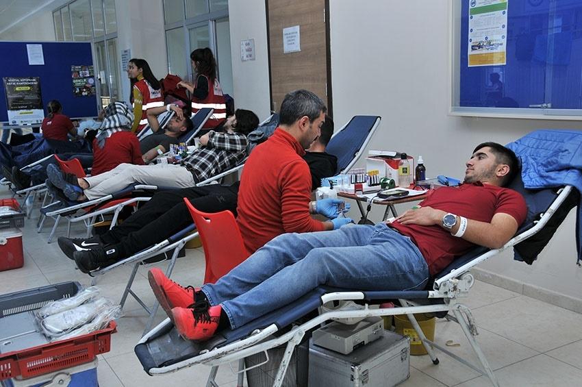 KMÜ'de Kan Bağışı Ve Kök Hücre Kampanyası 7