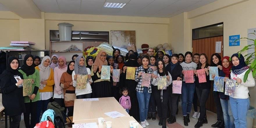 """Yabancı Uyruklu Öğrenciler """"Ebru""""ile Tanıştılar"""