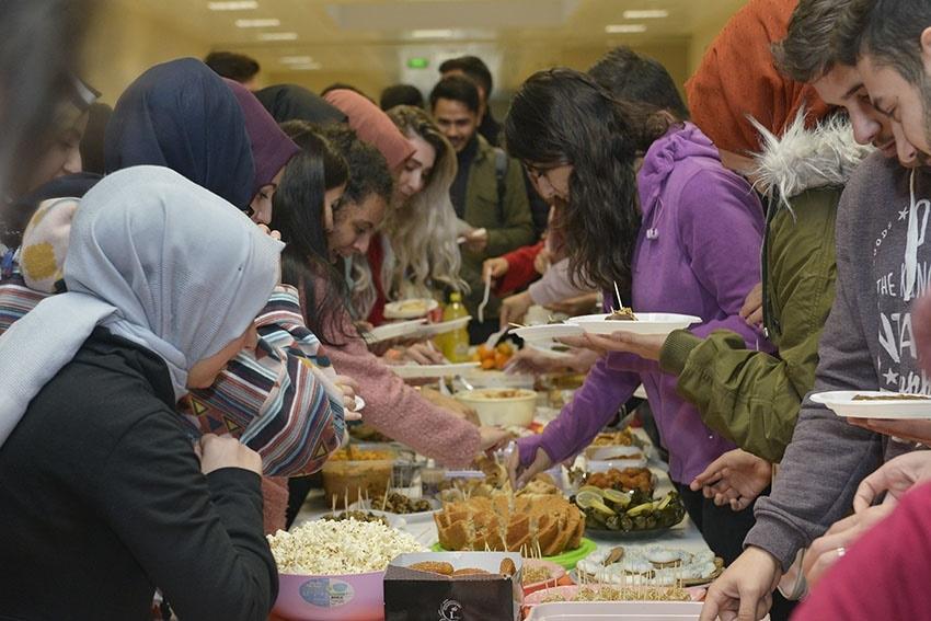KMÜ Öğrencilerinin Yerli Malı Haftası Kutlaması 1
