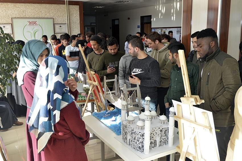 KMÜ İslami İlimler Fakültesi Öğrencilerinden El Sanatları Sergisi 15