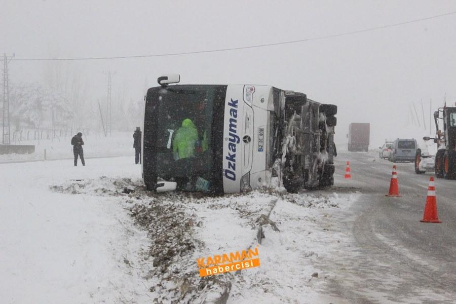 Karaman'da Yolcu Otobüsü Devrildi: 25 Yaralı 2