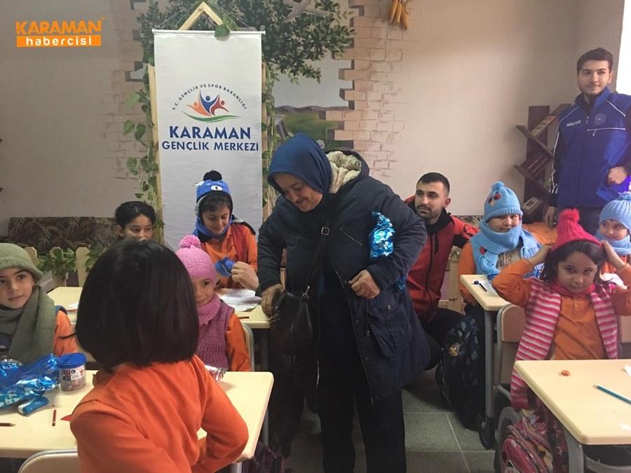 Karaman'da Öğrenciler İçin Atkı ve Bere Ördüler 23