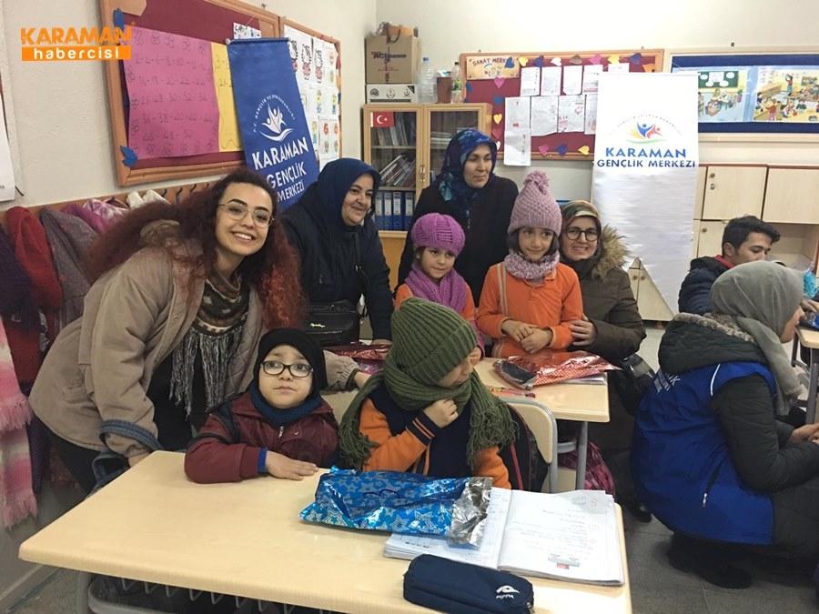 Karaman'da Öğrenciler İçin Atkı ve Bere Ördüler 26