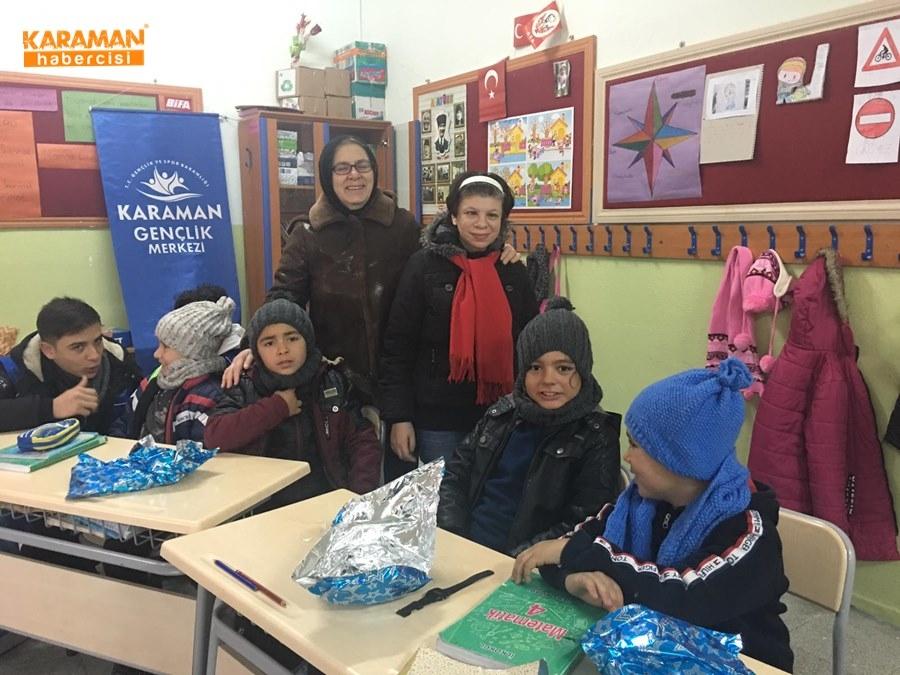 Karaman'da Öğrenciler İçin Atkı ve Bere Ördüler 27