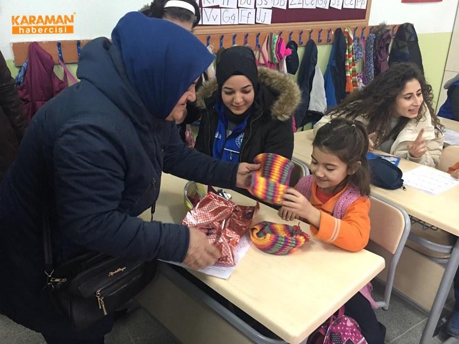 Karaman'da Öğrenciler İçin Atkı ve Bere Ördüler 30