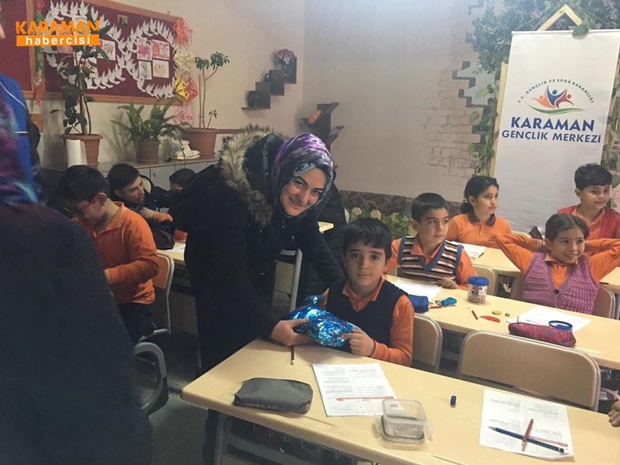 Karaman'da Öğrenciler İçin Atkı ve Bere Ördüler 9