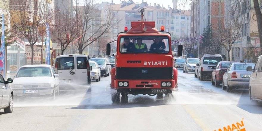 Karaman Belediyesi Yol ve Parklarda Çalışıyor