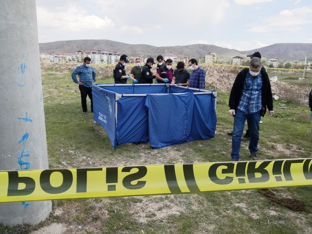 Aksaray'da Kendini Yakan Gencin Cesedi Bulundu 7