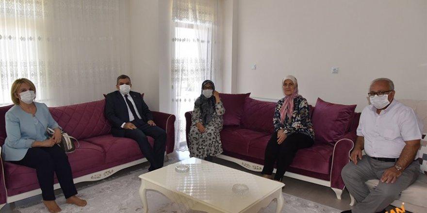 Şehit Polis ve Polis Merkezlerine Ziyaret