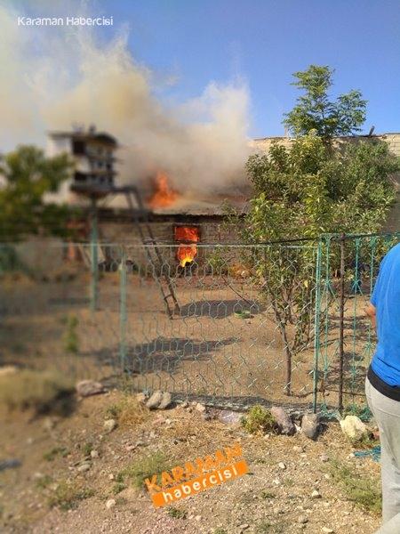 Karaman'da Ahır Yangını 1