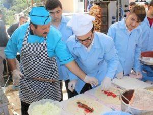 Karaman'da öğrenciler için bir kermes daha açıldı