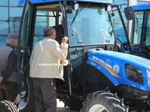 New HOLLAND TT-4 Özkurt Traktör İle Fuarda