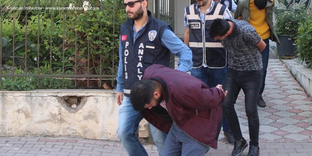 Antalya'da Yaşlı Kadının 83 Bin TL'sini Çaldılar
