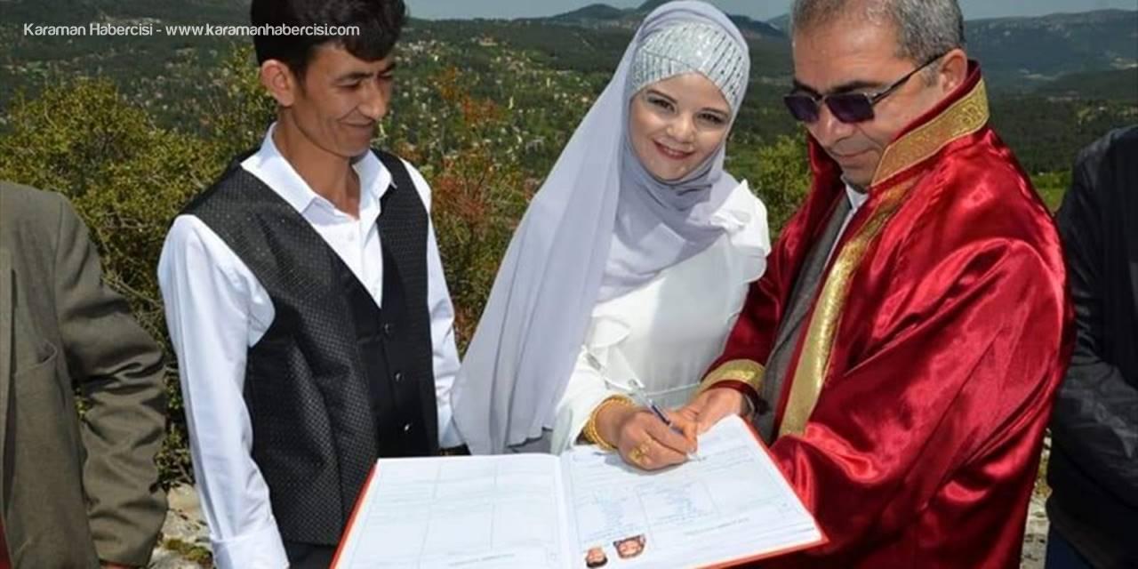 Mersin'de Namrun Kalesi'nde Nikah Kıyılmaya Başlandı