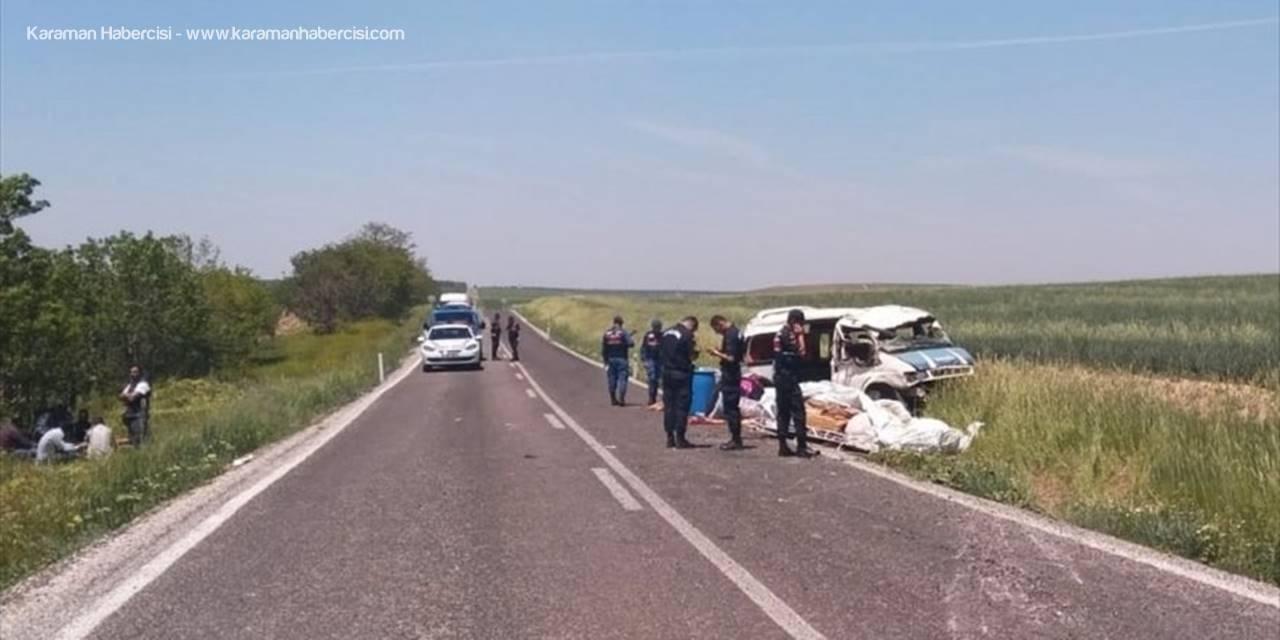 Konya'da Tarım İşçilerini Taşıyan Minibüs Devrildi: 1 Ölü, 7 Yaralı