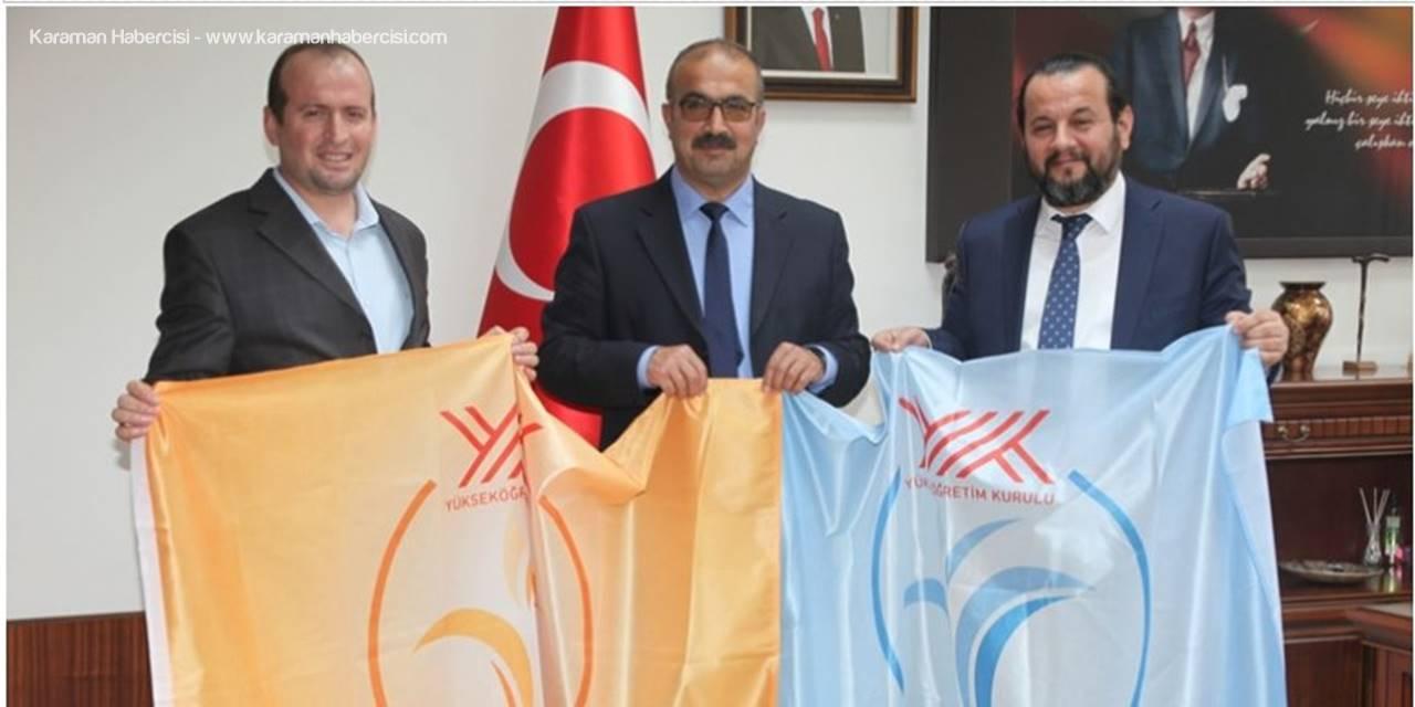 Mavi ve Turuncu Bayraklar İslami İlimler Fakültesine Teslim Edildi