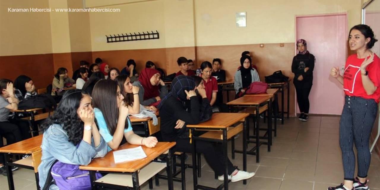 """Karaman'da Öğrencilere """"Teknoloji Bağımlılığı"""" Semineri"""
