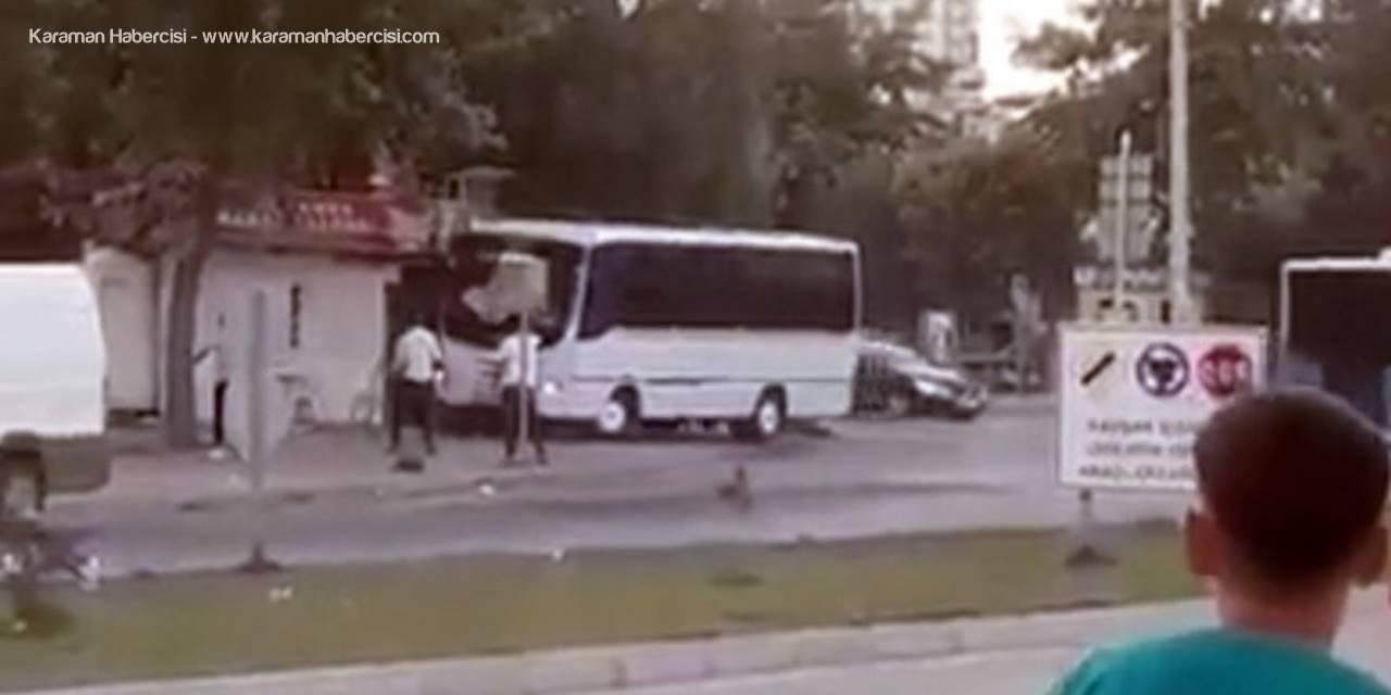 Mersin'de bir servis şoförü, henüz bilinmeyen bir nedenle kebapçı dükkanını midibüsüyle yıkmaya çalıştı. ile ilgili görsel sonucu